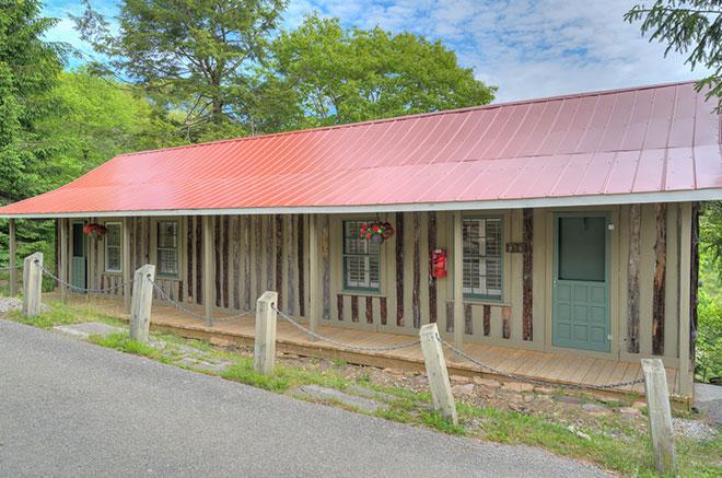 Carolina Multi Unit Rustic Cabin of Mountain Lake Lodge, Virginia
