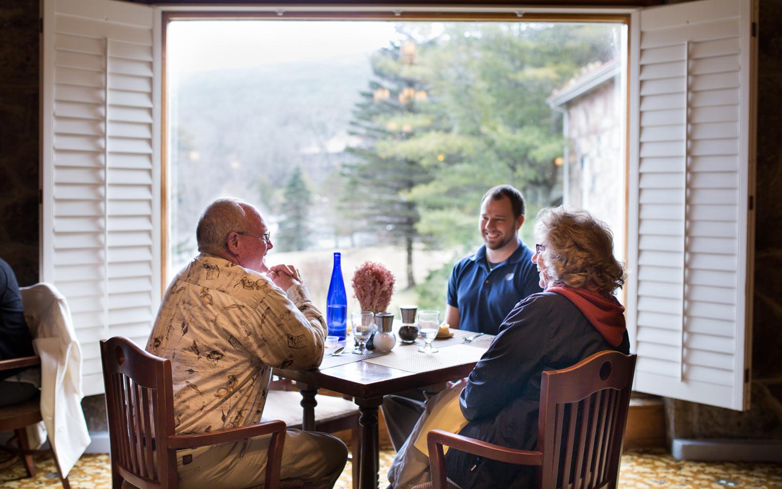 Pembroke Va Restaurants With Local Food Mountain Lake Lodge